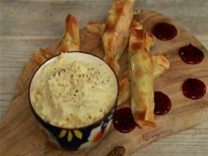 Turkey Crackers With Parsnip Mash Dip