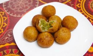 Farali Petis Kachori For Upvas Vrat Fasting Recipe Stuffed Potato Balls 1018334 By Bhavnaskitchen
