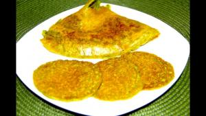 Hara Bhara Oat Chilla Cheela Video Recipe Savory Oat Pancakes With Spinach And Zucchini 1018366 By Bhavnaskitchen