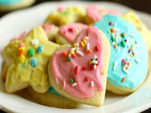 Soft Sugar Cookies With Icing