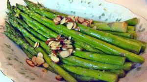Bettys Sauteed Asparagus With Toasted Almond Slices Easter 1015253 By Bettyskitchen
