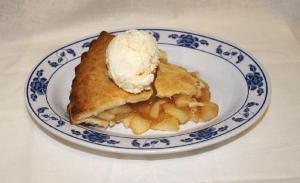 Basic Golden Apple Pie