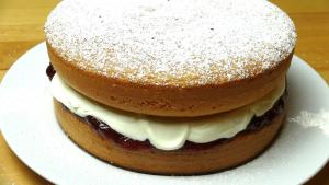 Sponge Cake With Jam And Cream One Pot Chef