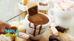 Classic Chocolate Fondue Recipe In Hindi 1019619 By Tarladalal