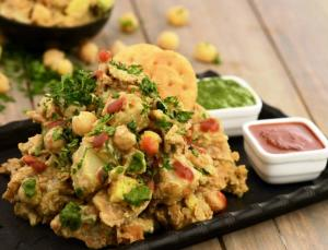 Papadi Potato And Chick Pea Chaat By Tarla Dalal
