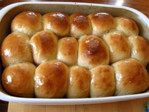 Golden Pan Rolls
