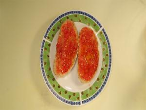 Tostada Con Tomatoe