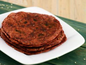 Beetroot And Sesame Roti Healthy Breakfast By Tarla Dalal