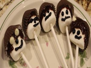 Chocolate Marshmallow Pops