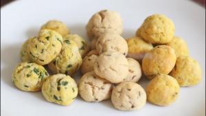 Assorted Makhaniya Biscuits Jalepeno Fenugreek Flavored 1019516 By Bhavnaskitchen