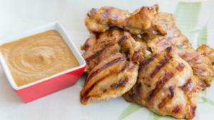 Chicken With Peanut Sauce Recipe Easy Dinner Meal 1016262 By Fifteenspatulas