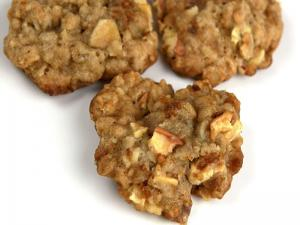 Oatmeal Apple Toffee Cookies
