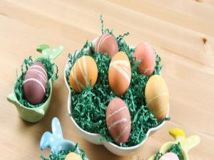 Decorating Easter Eggs With Rubber Bands And Twine For Family Fun