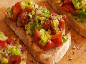 How to make Tomato & Avocado Balsamic Bruschetta