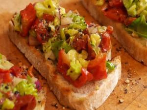How to make Tomato & Avocado Balsamic Bruschetta