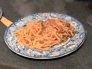 Zuza zak's Weeknight Dinners: Spaghetti Putanesca