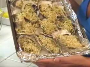 The Posh Pescatarian: Oysters With Garlic Parmesan Crumble