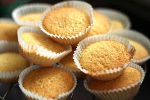 Sponge Cupcakes