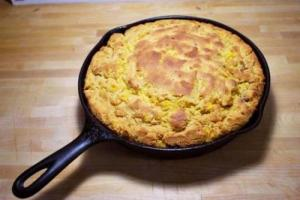 Crackling Corn Bread