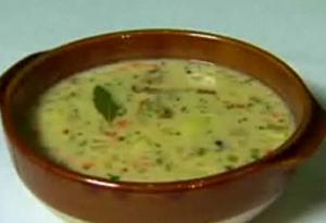 Clam Chowder : Emeril Lagasse