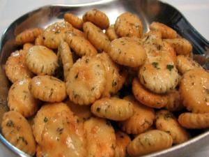 Lynn's Savory Oyster Crackers