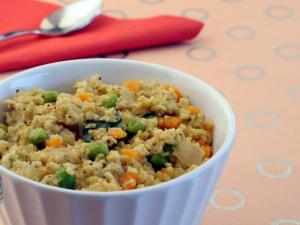Oats Upma (Fibre-rich Breakfast)