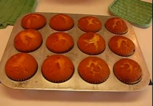 Halloween Treat with Vanilla Cupcakes