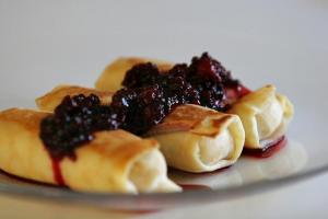 Cheese-Filled Blintzes