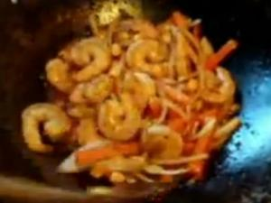 Stir Fry Shrimp With Nam Prik Pao Sauce ( Roasted Thai Chili Paste )