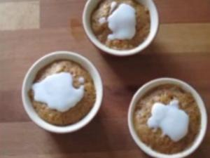2 minutes Carrot Cake-Eggless,Low Fat with Vanilla Yogurt Icing