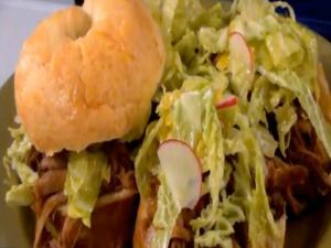 Slow Cooker Asian Pulled Pork Sandwiches for the Crock Pot