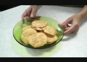 Farsi Puri or Poori (Crispy Puri)