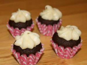 Red Velvet Mini Cupcakes with Cream Cheese Butter Cream