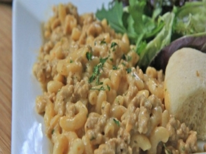 Homemade Hamburger Helper: Cheeseburger Macaroni