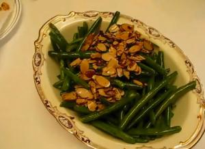 Succulent Sautéed Green Beans with Crunchy Toasted Almond Topping