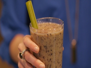 Dandy Berry Celery Smoothie