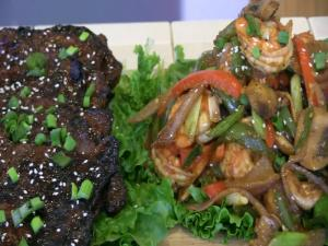 SmokingPit.com - Sesame Soy Beef with Shrimp Stir Fry - Wok Cooking & Grilling on the Scottsdale