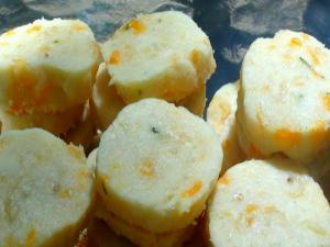 Cheese and Herb Shortbread Rounds