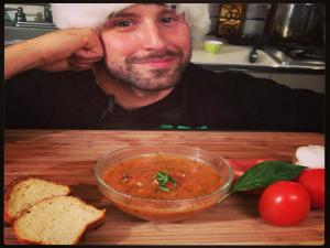 Tomato Sauce - Cooking with The Vegan Zombie