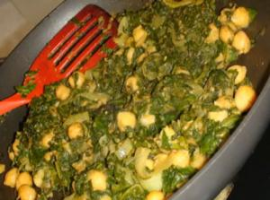 Palak Chhole or Chana (Spinach and Chick Peas Curry)