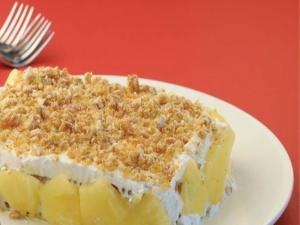 Crunchy Pineapple Cake