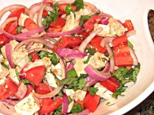How to Make Tomato Basil Mozzarella Salad