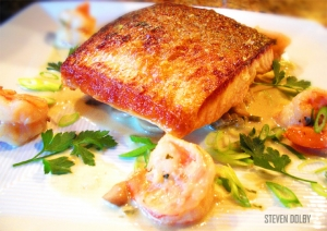 Pan Seared Salmon with Mushroom in Creamy Sauce