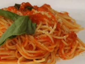 Sauce From Scratch: Spaghetti al Pomodoro