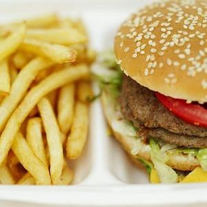 Diet plays major role in cholesterol control