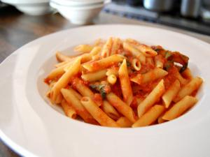 Penne Pasta with Fresh Tomato Sauce