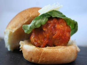 How to Make Meatball Sliders