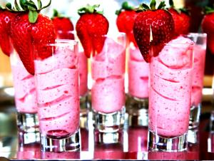 Strawberry Cheesecake Frozen Greek Yogurt