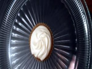 How to Bake White Chocolate Truffle Cupcakes