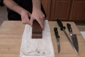 How to Sharpen a Blunt Kitchen Knife